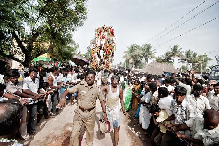 Lord Aravan in procession
