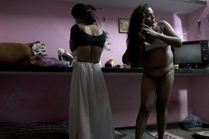 Hijra fuck nude photo #7