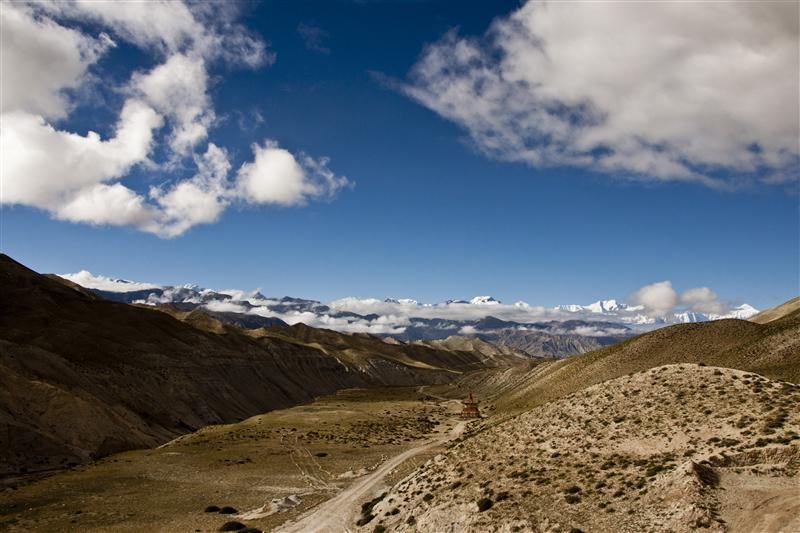 A glimpse of the Upper Mustang from one of the pass adjoining Lo Manthang towards the highest mountains in the world.