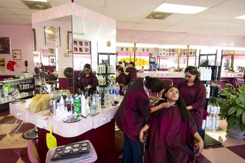Bambi Unisex Beauty Salon, 135 W Jefferson Blvd
